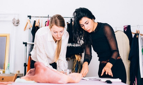 Majority of fashion industry professionals report job satisfaction Study 001